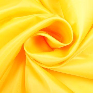 Voering geel